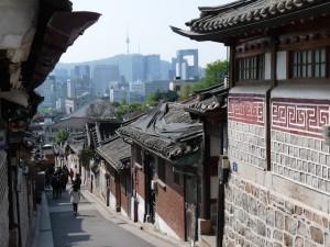 Vue de Seoul depuis le village Hanock de Bukchon