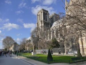 Notre-Dame vue du square Jean XXIII.